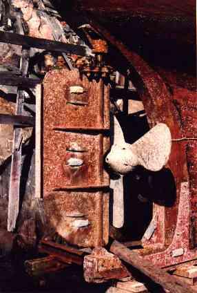 Original propeller awaiting removal